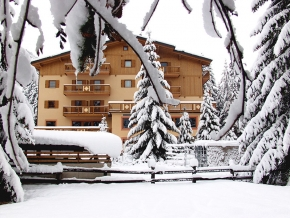 Hotel San Giusto 3 stelle Val di Fassa Trentino Dolomiti